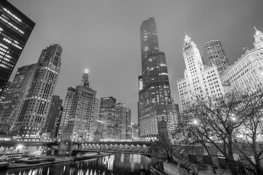 chicago-financial-district-dusk